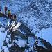 Die naechsten Gruppen kommen schon ueber den Kleinglockner (3770m) aufgestiegen.
