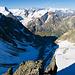 """Blick durch """"Zwischen Tierbergen"""" hinab zu den Berner Alpen"""