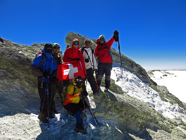 Gipfelfoto mit iranischen Bergsteigern von der Südroute