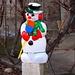 So ein prächtiger Schneemann mitten in Chevenez vermittelt winterliche Ambiance.