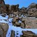 Ein eindrücklicher Pfad leitet durch den Felsgürtel - mit wenig Schnee war es noch schöner!
