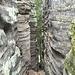 ein erster Abstieg; typisches Gelände in den Prachover Felsen