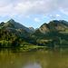 Schwarzsee mit Braunstich. Die Spitzfluh ist der Zacken in der linken Bildhälfte.