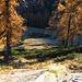 Eccoci in vista di Piemantu, il sentiero però non la raggiunge ma devia a sinistra per portarsi alla sella sovrastante l'Alpe di Sfii.