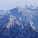 Im Vordergrund die Arnspitzgruppe, Im Hintergrund das Karwendel.