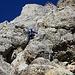 """Galant hangelt sich der """"Klettersteig-Tarzan"""" herunter. Bei diesen luftigen Ab- und Aufstieg kommt definitiv T5-Feeling auf."""