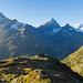 Die Sustlihütte vor dem Fleckistock und Sustenhorn
