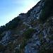 Rauh und griesig präsentiert sich der Steig duch die Nordflanke.