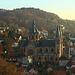 St. Peter, der Dom der Bergstrasse, dahinter der Essigkamm (230m)