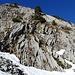 Schöne Kalkfelsen entlang des Wegs von Schrenit nach Mutteli