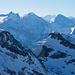 Blick über den Fulen und Rossstock zu den Urner Alpen und weiter bis zu den Berner Hochalpen
