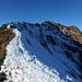 ...genauso wie die Nordflanke der Üntschenspitze.Immmer knapp unterhalb der Gratkante geht's hinauf.