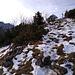 Blick zum Gipfelkreuz vom Sulten. Die Kampenwand wartet im Hintergrund