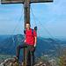 Am Gipfelkreuz des Hochlerch.