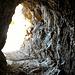 Höhle auf dem Weg zum Gipfel.