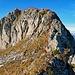 nun gibt es eine kleine Klettereinlage hinauf auf den Fels.