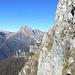 lungo la cresta sud,il panorama sulla Pania della Croce e il monte Procinto...