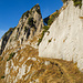 Trotz steilem Gelände sorgt ein gut angelegter breiter Weg für viel Komfort