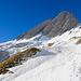 Es folgt eine Querung bis unter den Wildhauser Schafberg in wenig steilem Gelände. Die Ostwandrinne ist bereits schön zu sehen.