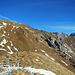 An der Bergschulter Heita. Hinter dem Verbindungsgrat zur Höferspitze lugt nun auch der Widderstein hervor.