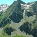 Männliflue Nordseite (links der Mitte der N-Grat, rechts der Mitte die Skiroute). Hinten links grüsst das Winterhorn.