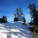Die knusprige Schneeauflage am Grat mahnt zur Vorsicht