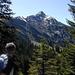 Das erste Mal richtig zusehen - der Hohe freschen mit seiner schroffen Nordflanke. Links der Binnelgrat (Aufstiegsweg) - rechts der Valüragrat (geplant für den Abstieg).