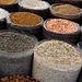 In Kırklareli - Am Nachmittag schlendern wir über den Markt, wo unzählige Lebensmittel angeboten werden, u. a. verschiedene Nüsse, Sonnenblumenkerne, Pistazien,...