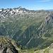 Si scende.. in basso si vede il punto dove si abbandona il sentiero per la Gianetti, quasi 1000 metri sotto!