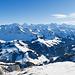 Blick vom Schibegütsch zu den grossen Bernern. Davor ist ein groser Teil des Brienzergrates zu sehen.