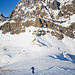 Gipfelaufstieg mit dem Blackenstock im Hintergrund