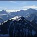 Bettlerkarspitze, Schaufelspitze und Sonnjoch. Der Kompar ist auch dabei.