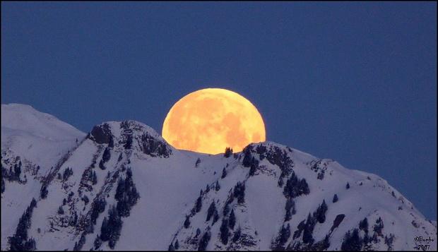 (Voll-)Monduntergang 07.40 Uhr