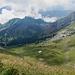 Rückblick in unsere steile Aufstiegswiese.