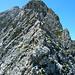In unteren Drittel des Klettersteigs. Der Gipfel des Karhorns ist noch nicht sichtbar.
