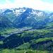 Blick nach Süden - im Tal liegt die Ortschaft Lech