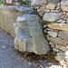 fontana scolpita salendo verso Val d' Otro