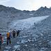 Dem Gletscher entgegen. Bald wird angeseilt.