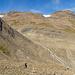 Weiter geht es durch eine endlose Steinwüste dem Rif. Claudio e Bruno entgegen. Unser Hüttenziel scheint schon nahe, der Weg zieht sich aber in die Länge.