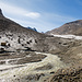 Über die Gletscherzunge können wir schliesslich den Wasserlauf queren