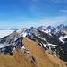Sommer und Winter sehr nah zusammen. Im Alpenvorland hängt die Nebelsuppe drin