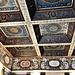 Il soffitto a cassettoni della Sala Bellini.