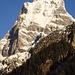 der von allen Seiten immer imposante Pflerscher Tribulaun(3096m), hier von SO, KEINE Chance mit Ski da hoch zu kommen!