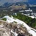 jetzt geht es an den sehr schweren Abstieg alles dem Grat nach von der Mondspitze hinunter bis ins Tal. Im tiefem Schnee und zwischen den Latschenkiefer hindurch war ich mehrmals bis zu den Hüften im Schnee eingesunken, wegen dem sehr steilen Gelände und den Latschenkiefer Stauden konnte ich nur stellenweise die Schneeschuhe gebrauchen.