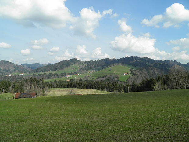 schönes Allgäuer Hügelgelände, ähnlich dem Appenzeller Land