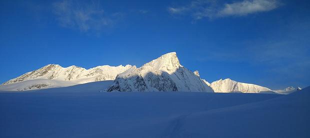 Blick von der Finsteraarhornhütte