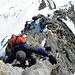 Risalendo la cresta rocciosa