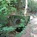 ... und gegen Ende des Abstiegs über diese kleine Brücke ...