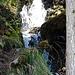 viel Wasser fließt den Berg hinab