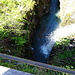 auf der Brücke einen Blick nach unten. Wie lange das Wasser wohl gebraucht hat, bis es diese Schlucht gegraben hat?